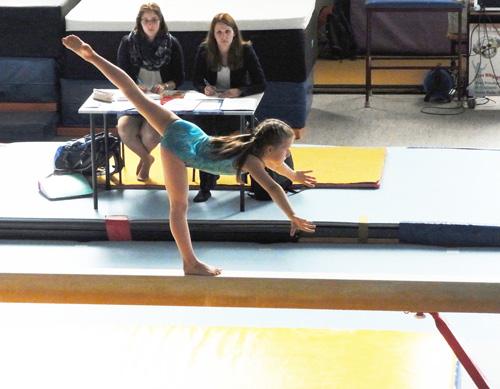 Alena und Mila die Besten am Sprunggerät